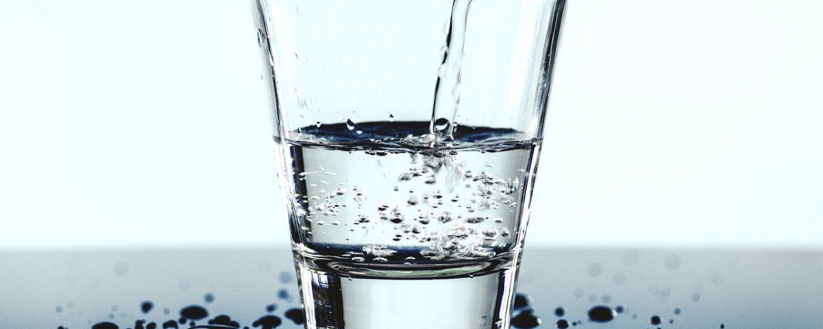 Regularne picie wody